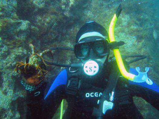 Anthony Hill underwater