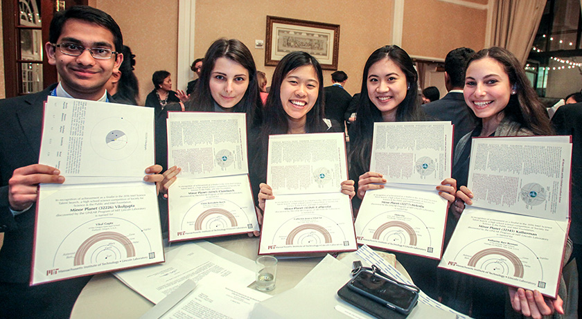 STS 2016 finalists hold up their minor planet certificate.