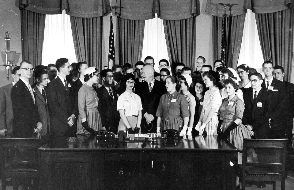 President Eisenhower with the 1959 Science Talent Search finalists in the White House.