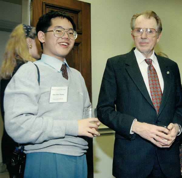 Wei-Hwa Huang as a STS finalist pictured with former U.S. Representative Roscoe Bartlett